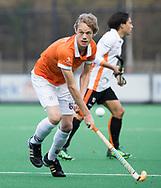 BLOEMENDAAL - Hockey - Bloemendaal-Oranje Rood 3-2. Tim Jenniskens (Bldaal) .  COPYRIGHT KOEN SUYK