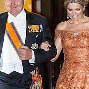 NLD/Amsterdam/20150624- Galadiner voor het Corps Diplomatique Koninklijk Paleis Amsterdam, vertrek Koning Willem - Alexander en Koningin Maxima