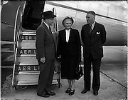 29/08/1952<br /> 08/29/1952<br /> 29 August 1952<br /> Sean Lemass MInister for Industry and Commerce leaving for Frankfurt. <br /> Sean Lemass with his wife Kathleen and Mr. E.T. McCarron, Chairman of Aer Lingus at Dublin Airport.