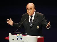 Fotball<br /> FIFA-kongressen i Marrakesch<br /> 12.09.2005<br /> Foto: imago/Digitalsport<br /> NORWAY ONLY<br /> <br /> FIFA Präsident Joseph S. Blatter (Schweiz) hält während des 55. FIFA Kongresses 2005 in Marrakesch ein Rede