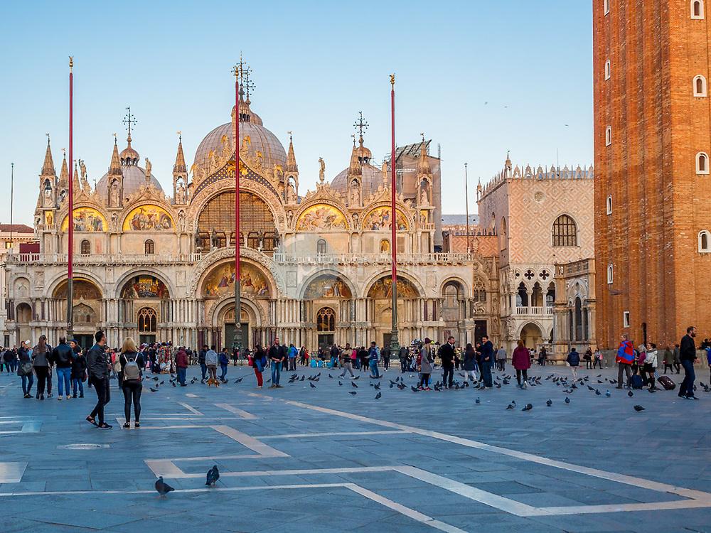 Catedral de San Marcos al atardecer, Venecia ©Javier Abad / PILAR REVILLA
