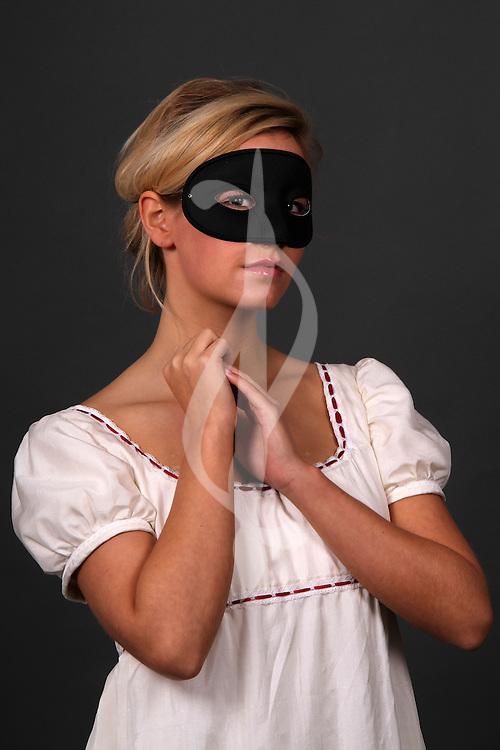 female model posing in regency period costume
