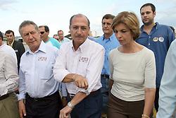 A candidata ao governo do Estado do RS Yeda Crusius recbe o candidato a presidente geraldo Alckmin na base aerea de Santa Maria FOTO: Jefferson Bernardes/Preview.com
