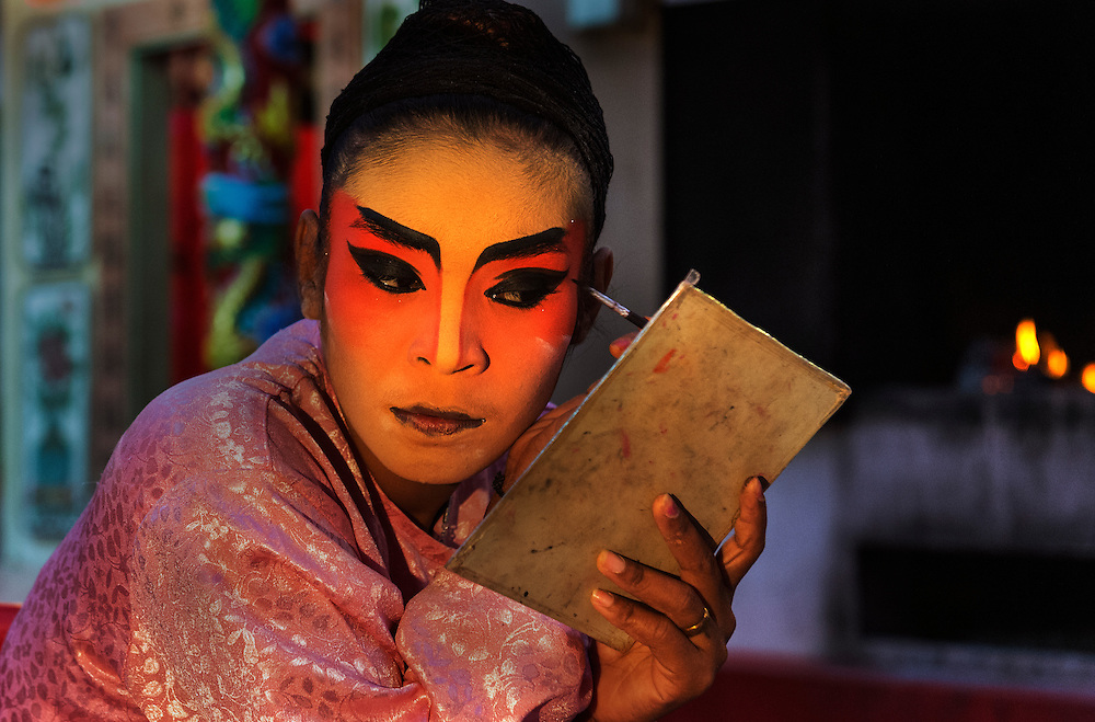 Perfromers of the งิ้วซิงตง  新中正順香  Teochew Sing Tong  Chinese Opera prepare for a performance in Bangkok's Chinatown.
