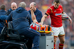Wales Flanker Sam Warburton gives a thumbs up as he is stetchered off the pitch injured on a golf kart - Mandatory byline: Rogan Thomson/JMP - 12/03/2016 - RUGBY UNION - Twickenham Stadium - London, England - England v Wales - RBS 6 Nations 2016.