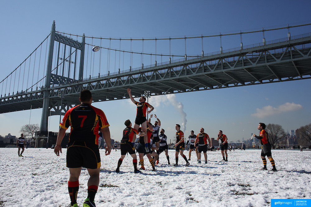 Mystic River and Connecticut Yankees players challenge for a line out in the Men's Club Division game during the Four Leaf 15s Rugby Tournament which attracted over 60 clubs teams from New York and Interstate. Randall's Island Park, New York,  USA. 21st March 2015. Photo Tim Clayton