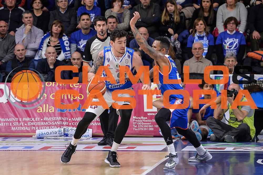 DESCRIZIONE : Beko Legabasket Serie A 2015- 2016 Dinamo Banco di Sardegna Sassari - Acqua Vitasnella Cantu'<br /> GIOCATORE : Joe Alexander<br /> CATEGORIA : Palleggio Controcampo<br /> SQUADRA : Dinamo Banco di Sardegna Sassari<br /> EVENTO : Beko Legabasket Serie A 2015-2016<br /> GARA : Dinamo Banco di Sardegna Sassari - Acqua Vitasnella Cantu'<br /> DATA : 24/01/2016<br /> SPORT : Pallacanestro <br /> AUTORE : Agenzia Ciamillo-Castoria/L.Canu