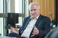 01 JUL 2019, BERLIN/GERMANY:<br /> Horst Seehofer, CSU, Bundesinnenminister, waehrend einem Interview, in seinem Buero, Bundesministerium des Inneren<br /> IMAGE: 20190701-01-005<br /> KEYWORDS: Büro