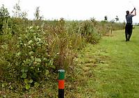 NIEUWERKERK a/d IJSSEL. HITLAND openbare golfbaan.  Ecologische zone.  Deze gebieden worden gemarkeerd door de groene paaltjes, COPYRIGHT KOEN SUYK