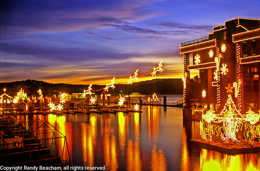 Fantasy in Lights at the Coeur d' Alene Resort along Lake Coeur d' Alene during the holiday season. Coeur d' Alene, north Idaho.