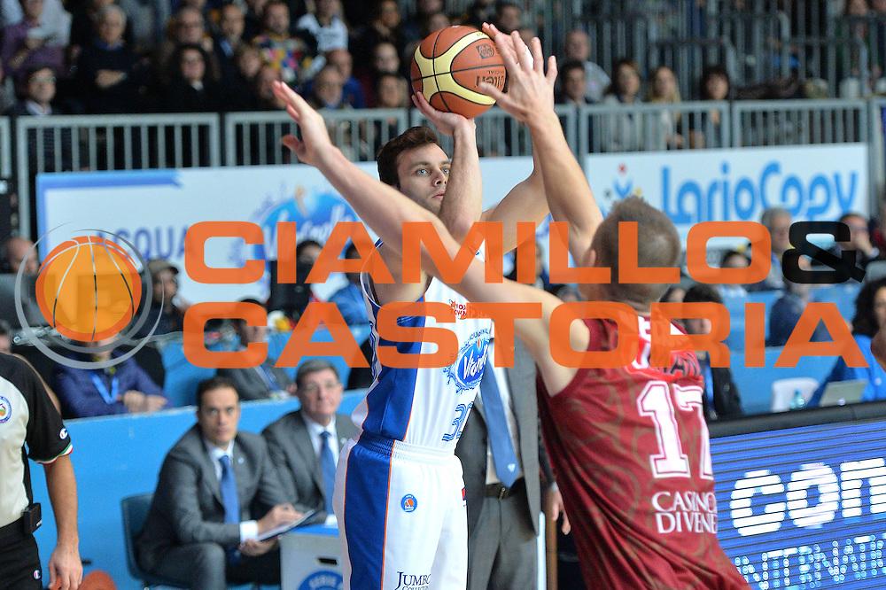 DESCRIZIONE : Cant&ugrave; Lega A 2014-15 Acqua Vitasnella Cant&ugrave; vs  Umana Reyer Venezia<br /> GIOCATORE : Stefano Gentile<br /> CATEGORIA : Tiro<br /> SQUADRA : Acqua Vitasnella Cant&ugrave;<br /> EVENTO : Campionato Lega A 2014-2015<br /> GARA : Acqua Vitasnella Cant&ugrave; vs Umana Reyer Venezia<br /> DATA : 21/12/2014<br /> SPORT : Pallacanestro <br /> AUTORE : Agenzia Ciamillo-Castoria/I.Mancini<br /> Galleria : Lega Basket A 2014-2015 <br /> Fotonotizia : Cant&ugrave; Lega A 2014-15 Acqua Vitasnella Cant&ugrave; vs Umana Reyer Venezia<br /> Predefinita :