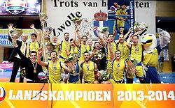 12-04-2014 NED: Finale Landstede Volleybal - Draisma Dynamo, Zwolle<br /> Landstede Volleybal pakt het kampioenschap door Dynamo met 3-0 te verslaan / Kampioen van Nederland seizoen 2013-2014