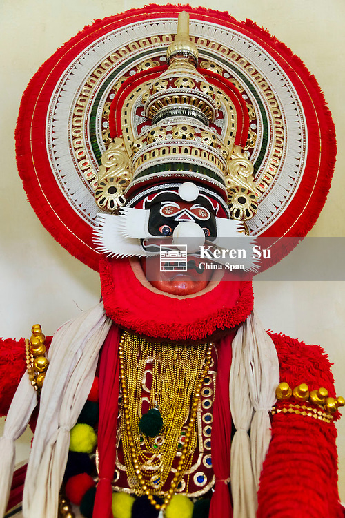 Kathakali (classical Indian dance-drama), Chuvanna Thadi role, Kerala State, India