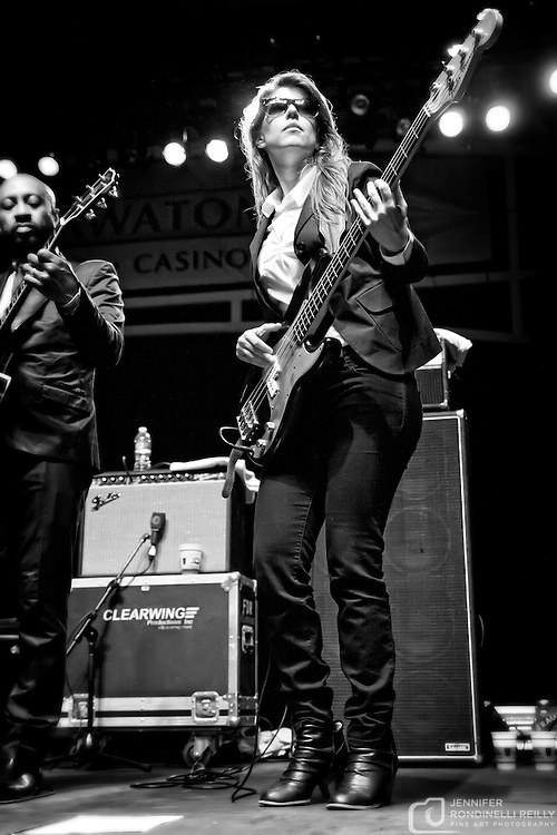 Sharon Jones & The Dap Kings live at Summerfest in Milwaukee, WI on 7/8/11. Photo © Jennifer Rondinelli Reilly.  All Rights Reserved. No use without permission. Contact me for any reuse or licensing inquiries.