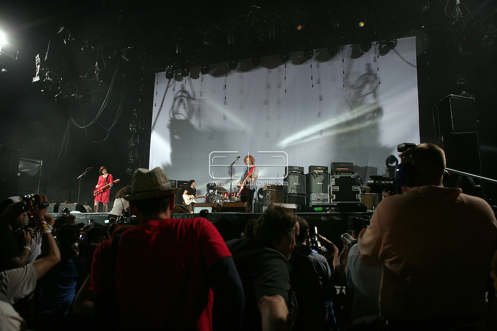 19th April 2009. Indio, California. Musician Kevin Shields of My Bloody Valentine, on stage at the Coachella Music Festival..PHOTO © JOHN CHAPPLE / REBEL IMAGES.tel +1 310 570 9100    john@chapple.biz