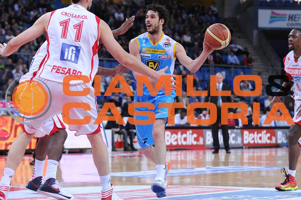 DESCRIZIONE : Pesaro Lega A 2012-13 Scavolini Banca Marche Pesaro Vanoli Cremona<br /> GIOCATORE : Luca Vitali<br /> CATEGORIA : palleggio<br /> SQUADRA : Vanoli Cremona<br /> EVENTO : Campionato Lega A 2012-2013 <br /> GARA : Scavolini Banca Marche Pesaro Vanoli Cremona <br /> DATA : 14/04/2013<br /> SPORT : Pallacanestro <br /> AUTORE : Agenzia Ciamillo-Castoria/M.Marchi<br /> Galleria : Lega Basket A 2012-2013  <br /> Fotonotizia : Pesaro Lega A 2012-13 Scavolini Banca Marche Pesaro Vanoli Cremona<br /> Predefinita :