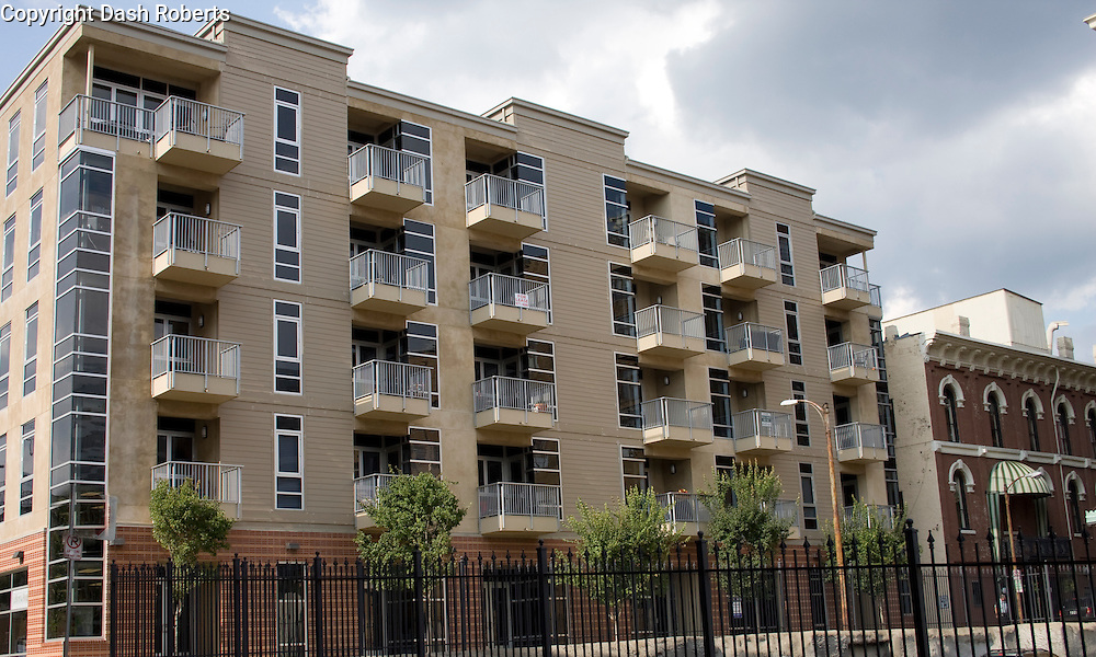 Residences at Market Square is a mixed use residential/commercial complex in downtown Knoxville.  This new building has street level commercial space with residential condonimiums on the upper floors.