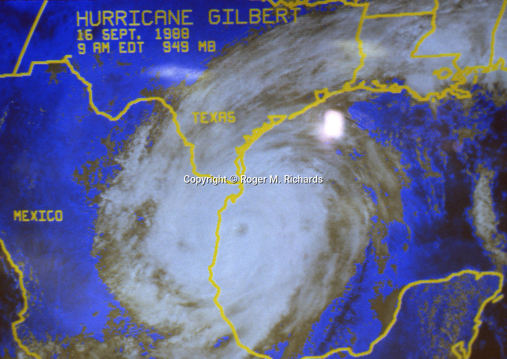 In September 1988 Hurricane Gilbert hit Jamaica and parts of the Gulf Coast of Florida, Texas and Mexico. In Jamaica 45 people were dead and over 500,000 left homeless. Agriculture was devastated, with US$50 million in damage to coffee, sugar cane, banana and other crops. Looting was widespread, particularly in Kingston. Foreign aid of about US$125 million form the USA alone poured into the stricken island. The tourist parts of the island were returned to normal with remarkable speed, but others took much longer to recover from the devastation.