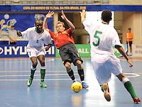 Fussball  International  FIFA  FUTSAL WM 2008   03.10.2008 Vorrunde Gruppe D Libya - Spain Lybien - Spanien Von links Nagi ABDALLA (LBY), MARCELO (ESP) und Fathi ALKHOGA (LBY)