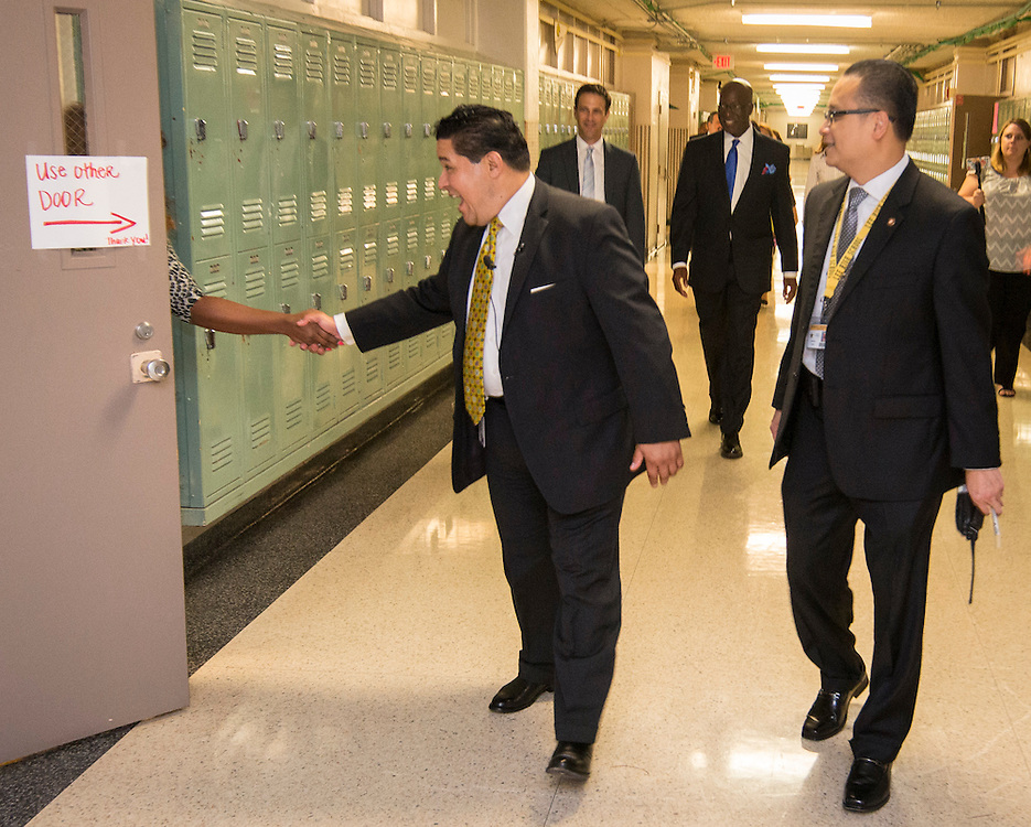 Houston ISD Superintendent Richard Carranza visits Wisdom High School on the first day of school, August 22, 2016.