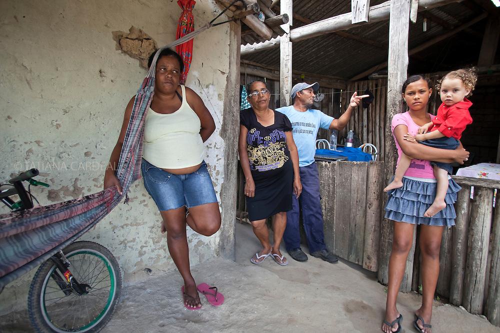 Izaura Costa (esquerda), Comunidade Oliveira Costa. Mucuri, Bahia - Brasil.