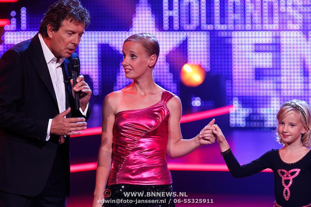 NLD/Hilversum/20100910 - Finale Holland's got Talent 2010, Robert ten Brink en Marieke en dochter Leanne