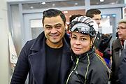 De vierde editie van De Hollandse 100 in Thialf, Heerenveen. De Hollandse 100 is een initiatief van stichting Lymph&Co. Stichting Lymph&Co steunt grensverleggend onderzoek om de behandeling van lymfklierkanker te verbeteren<br /> <br /> Op de foto:  Olcay Gulsen met haar vriend Frans Ghazi