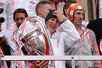 FUSSBALL TRIPELPARTY  SAISON  2012/2013  02.06.2013 Champions Party des FC Bayern Muenchen nach dem Gewinn des DFB Pokal und Triple.  Bastian Schweinsteiger (FC Bayern Muenchen) mit dem Champions League Pokal