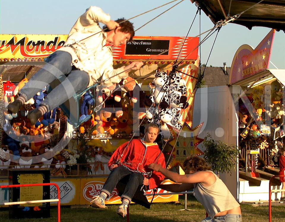 Fotografie Uijlenbroek©1999/Frank Uijlenbroek.990527 sibculo ned.kermis tijdens feestweek.bedoeld voor archief