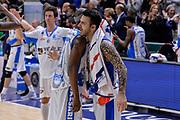 DESCRIZIONE : Sassari LegaBasket Serie A 2015-2016 Dinamo Banco di Sardegna Sassari - Giorgio Tesi Group Pistoia<br /> GIOCATORE : Brenton Petway Brian Sacchetti<br /> CATEGORIA : Fair Play Ritratto Esultanza Postgame<br /> SQUADRA : Dinamo Banco di Sardegna Sassari<br /> EVENTO : LegaBasket Serie A 2015-2016<br /> GARA : Dinamo Banco di Sardegna Sassari - Giorgio Tesi Group Pistoia<br /> DATA : 27/12/2015<br /> SPORT : Pallacanestro<br /> AUTORE : Agenzia Ciamillo-Castoria/L.Canu