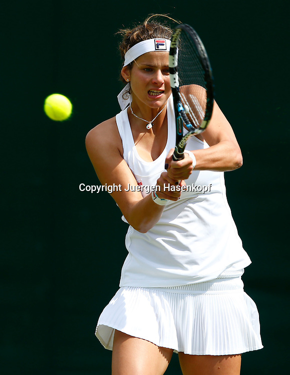 Wimbledon Championships 2013, AELTC,London,<br /> ITF Grand Slam Tennis Tournament, Julia Goerges (GER),Aktion,<br /> Einzelbild,Halbkoerper,Hochformat,