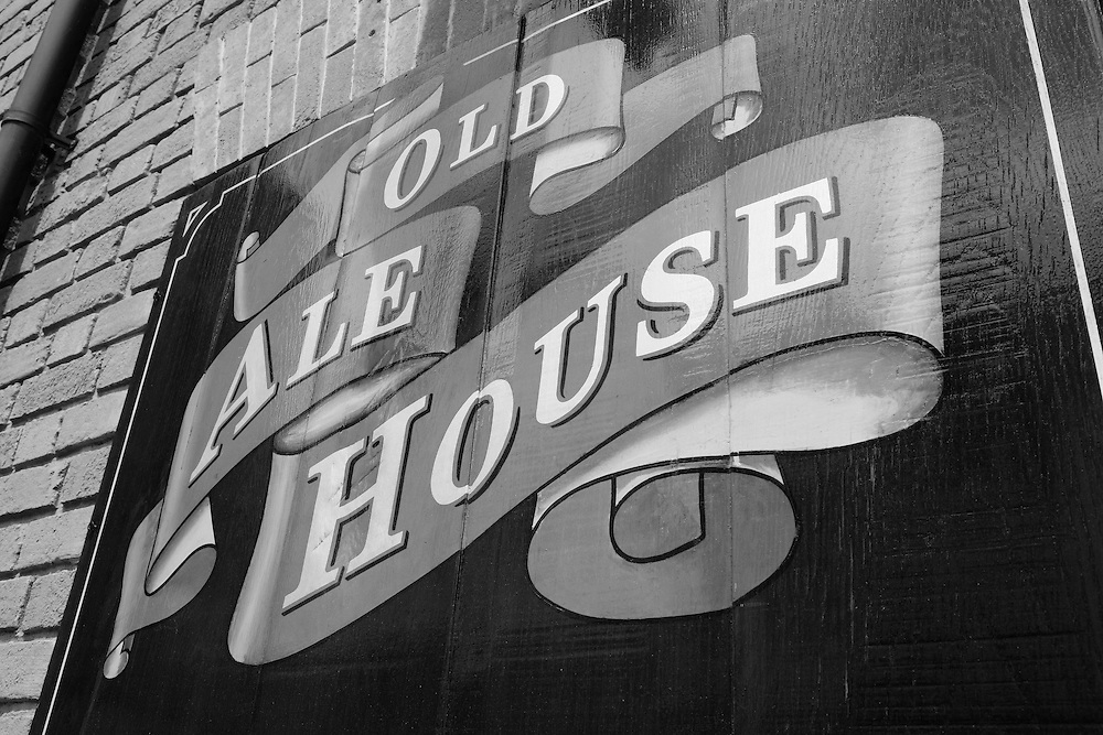 Old Ale House Sign - Salisbury, UK - Black & White