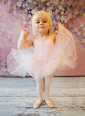 Ballet Tots Monday groups