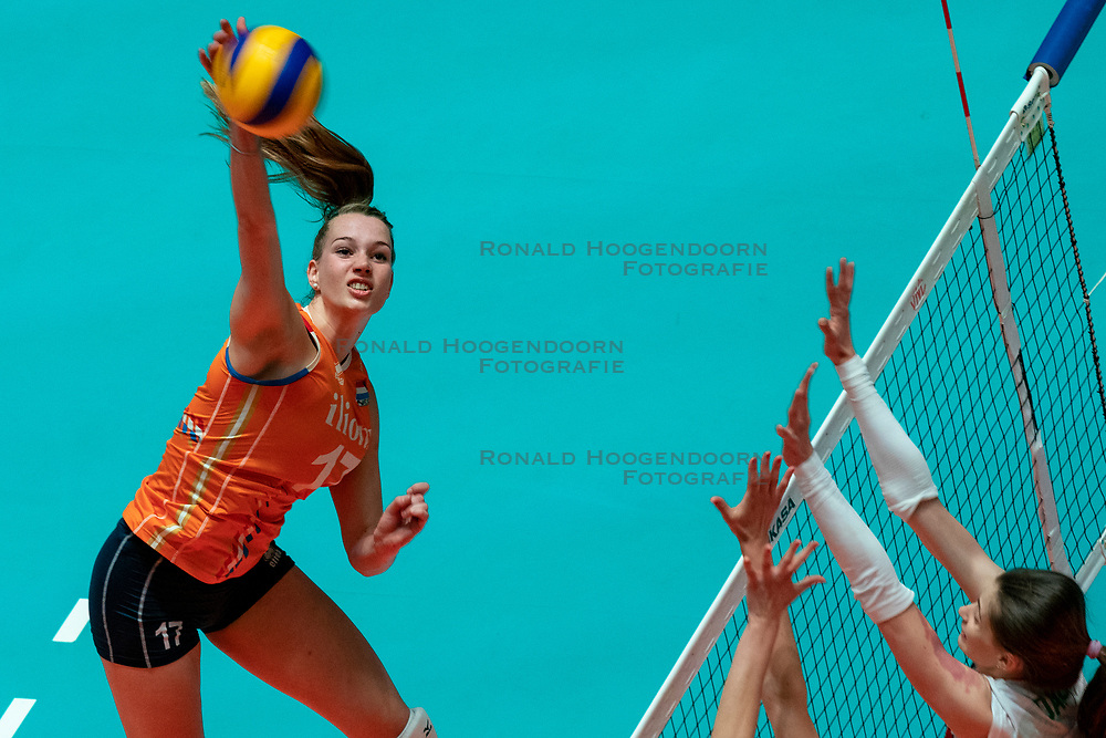 29-05-2019 NED: Volleyball Nations League Netherlands - Bulgaria, Apeldoorn<br /> Nicole Oude Luttikhuis #17 of Netherlands