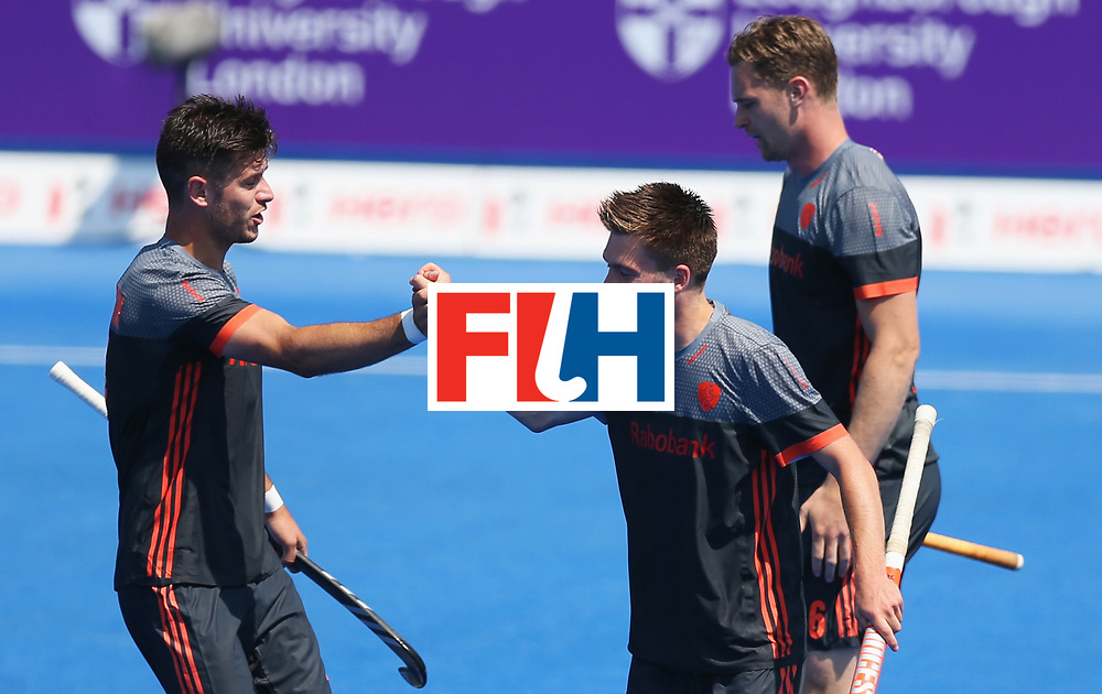 LONDON, ENGLAND - JUNE 20:  Thierry Brinkman of the Netherlands (2R) celebrates scoring their first goal with team mates during the Pool B match between India and the Netherlands on day six of the Hero Hockey World League Semi-Final at Lee Valley Hockey and Tennis Centre on June 20, 2017 in London, England.  (Photo by Alex Morton/Getty Images)