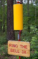 HERKENBOSCH - Bel op golfbaan. 3x bellen; ring; BurgGolf Herkenbosch . FOTO KOEN SUYK