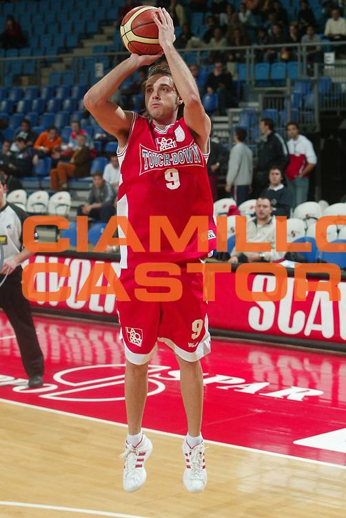 DESCRIZIONE : Pesaro Serie C 2005-06 Touch Down Bernalda Madel Bologna <br /> GIOCATORE : Filippi <br /> SQUADRA : Touch Down Bernalda <br /> EVENTO : Campionato Serie C 2005-2006 Coppa Italia Finale <br /> GARA : Touch Down Bernalda Madel Bologna <br /> DATA : 11/04/2006 <br /> CATEGORIA : Tiro <br /> SPORT : Pallacanestro <br /> AUTORE : Agenzia Ciamillo-Castoria/M.Marchi