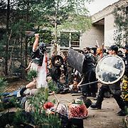 20.05.2016 Mahlwinkel, Zombie Larp (live action role play) Veranstalter: Lost ideas.<br />Etwa 600 Spieler, die Spieler sind 24h im Spiel.<br /><br />50 Zombies greiffen die Festung an. Die &Uuml;berlebenden k&ouml;nnen erfolgreich den Haupteingang sichern.<br /><br />&copy; Harald Krieg/Agentur Focus