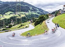 11.07.2019, Kitzbühel, AUT, Ö-Tour, Österreich Radrundfahrt, 5. Etappe, von Bruck an der Glocknerstraße nach Kitzbühel (161,9 km), im Bild die Ausreisser im Zillertal, Tirol // the attackers in the Zillertal Tyrol during 5th stage from Bruck an der Glocknerstraße to Kitzbühel (161,9 km) of the 2019 Tour of Austria. Kitzbühel, Austria on 2019/07/11. EXPA Pictures © 2019, PhotoCredit: EXPA/ Reinhard Eisenbauer