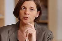 19 JUN 2003, BERLIN/GERMANY:<br /> Katrin Dagmar Goering-Eckardt, B90/Gruene Fraktionsvorsitzende, waehrend einem Interview in ihrem Buero, Jakob-Kaiser-Haus, Deutscher Bundestag<br /> IMAGE: 20030619-01-011<br /> KEYWORDS: Katrin Dagmar Göring-Eckardt