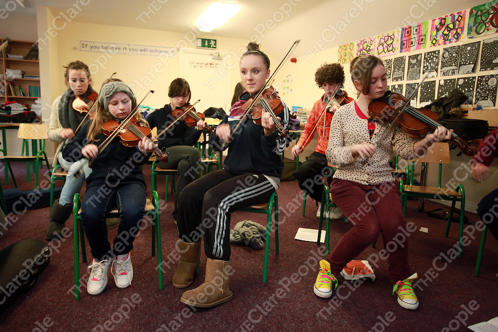 Niamh McMahon, Fionnula Fahy and Caoimhe Campbell at the Joseph Browne Spring School of Traditional Music in Kinvara at the weekend.<br /> <br /> Photograph by Press 22