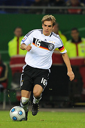 14.10.2009, HSH Nordbank Arena, Hamburg, GER, WM Qualifikation, Deutschland GER vs Finnland FIN , im Bild Einzelaktion Philipp Lahm (GER #16), EXPA Pictures © 2009 for Austria, Italy and United Kingdom only, Photographer EXPA / NPH / Kokenge