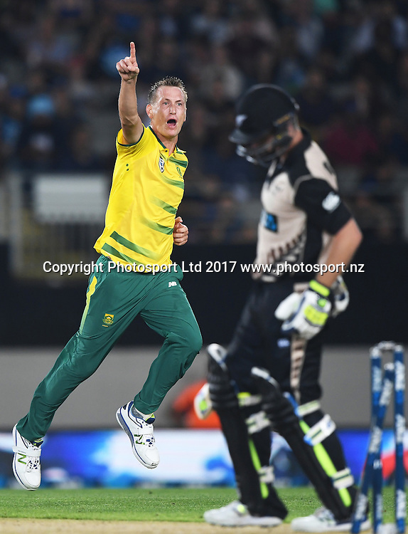 South African bowler Chris Morris celebrates the wicket of Munro. International Twenty20 Cricket. New Zealand Black Caps v South Africa, Eden Park, Auckland, New Zealand. Friday 17 February 2017 © Copyright photo: Andrew Cornaga / www.photosport.nz