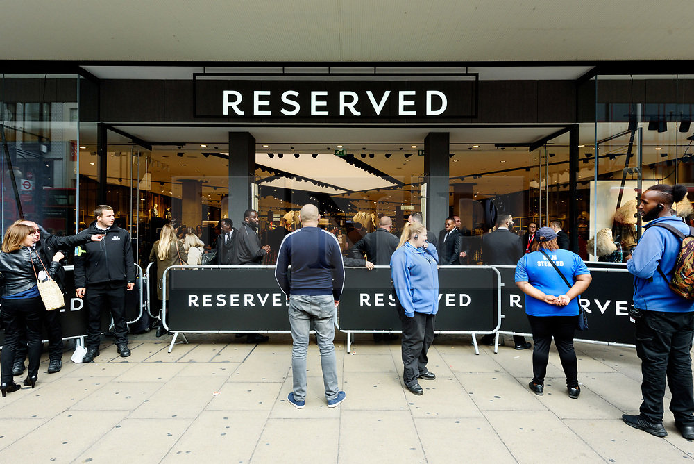 © Licensed to London News Pictures. 06/09/2017. London, UK. Customers queue for the the supermodel KATE MOSS to open the Reserved flagship clothing chain store in Oxford Street. Reserved is a Polish clothing store chain, which has more than 1,600 stores located in 18 countries. Photo credit: Ray Tang/LNP