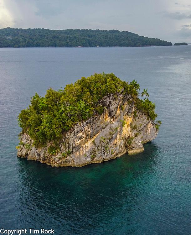 DCIM\100MEDIA\DJI_0664.JPG Triton Bay Dec 2019 (West Papua Indonesia)