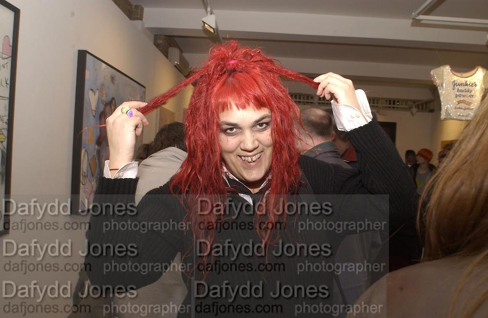 Juno Doran. Peverse Pop. Catto Contemporary. 21/2/02 © Copyright Photograph by Dafydd Jones 66 Stockwell Park Rd. London SW9 0DA Tel 020 7733 0108 www.dafjones.com
