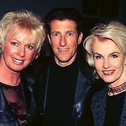 CD Uitreiking Eddy Christiani Hilversum, Ria Valk en Saskia en Serge