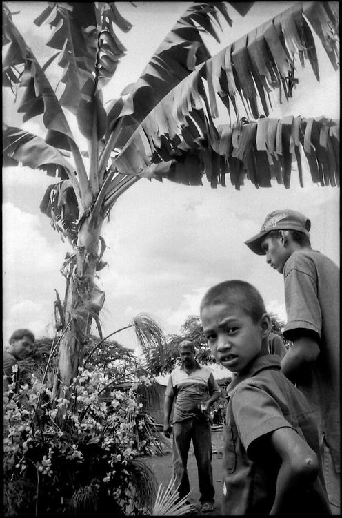 NI—OS DE PORAI - Homenaje a Mariano Diaz.Photography by Aaron Sosa.Zuata, Estado Miranda - Venezuela 2004.(Copyright © Aaron Sosa)