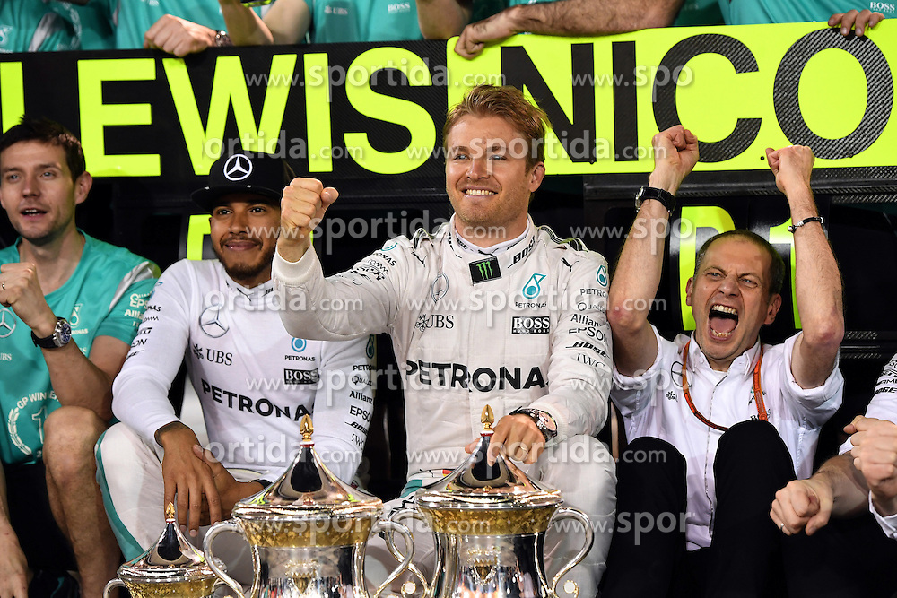 03.04.2016, International Circuit, Sakhir, BHR, FIA, Formel 1, Grand Prix von Bahrain, Rennen, im Bild Lewis Hamilton (GBR) Mercedes AMG F1, Nico Rosberg (GER) Mercedes AMG F1 celebrate with the team and the trophies // during Race for the FIA Formula One Grand Prix of Bahrain at the International Circuit in Sakhir, Bahrain on 2016/04/03. EXPA Pictures &copy; 2016, PhotoCredit: EXPA/ Sutton Images/ Andre/<br /> <br /> *****ATTENTION - for AUT, SLO, CRO, SRB, BIH, MAZ only*****