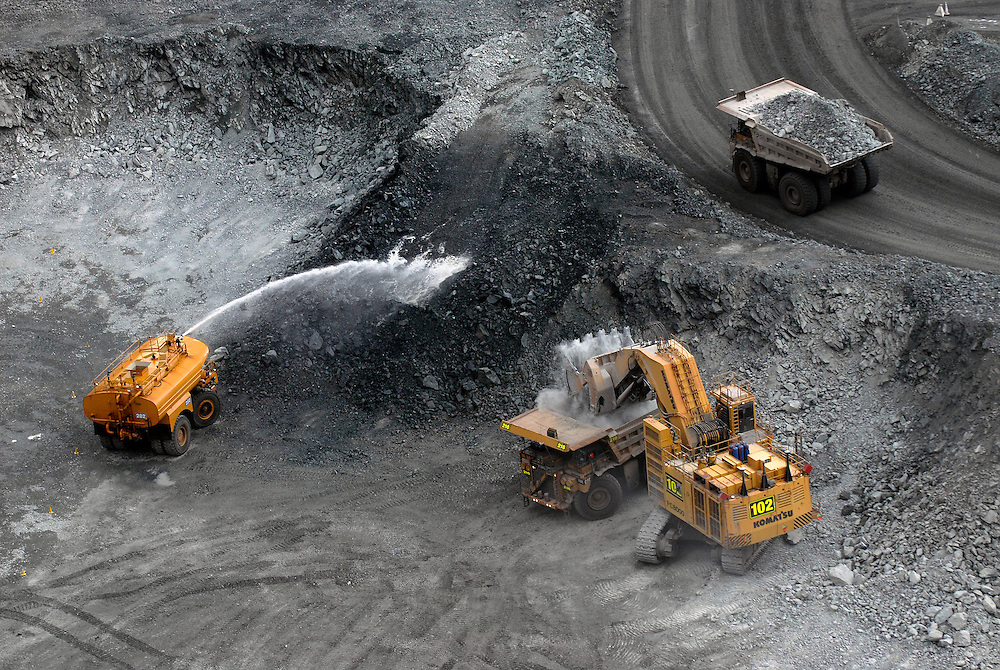 Kalgoorlies Super Pit Western Australia (Super Pit owned by Kalgoorlie Consolidated Gold Mines Pty Ltd)